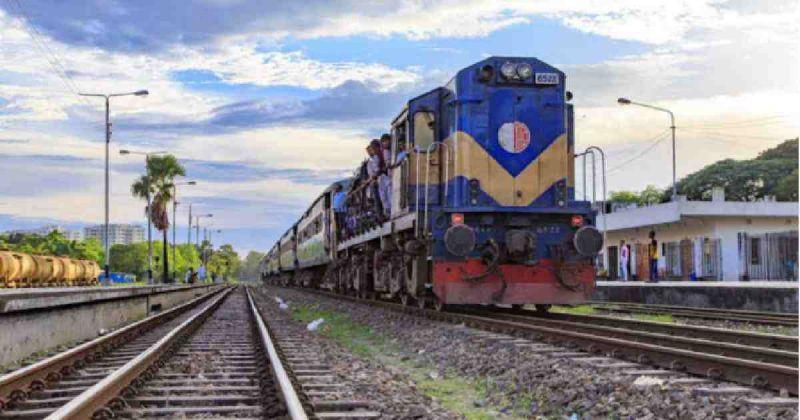 train-servises-127c9fb99d58b432a22320a823f2916d1626611193.jpg