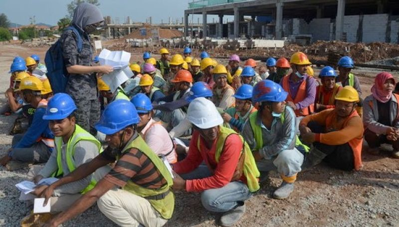 migrant-workers-detained-in-malaysia-unb-70cf9bf8c70c19d0e50bd437a35dd9821626922838.jpg
