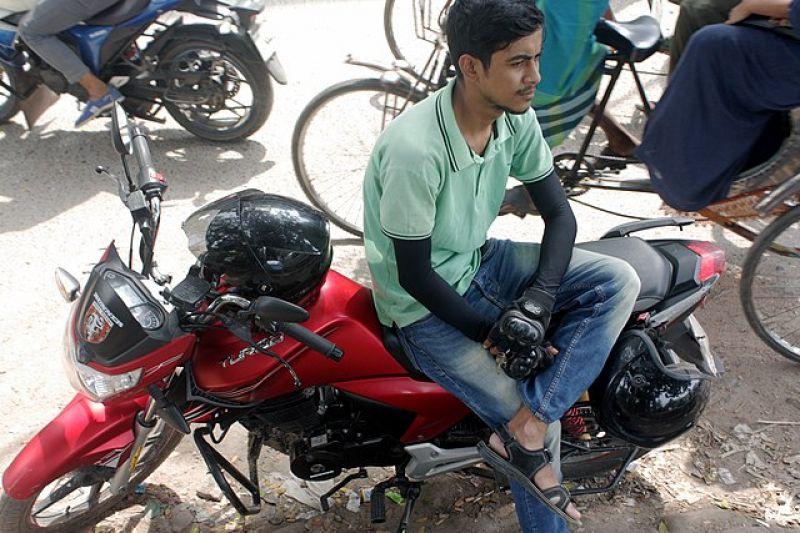 motorcycle-ride-sharing-4a5670b84ec0311287d3635cd4c51cb51626922340.jpg
