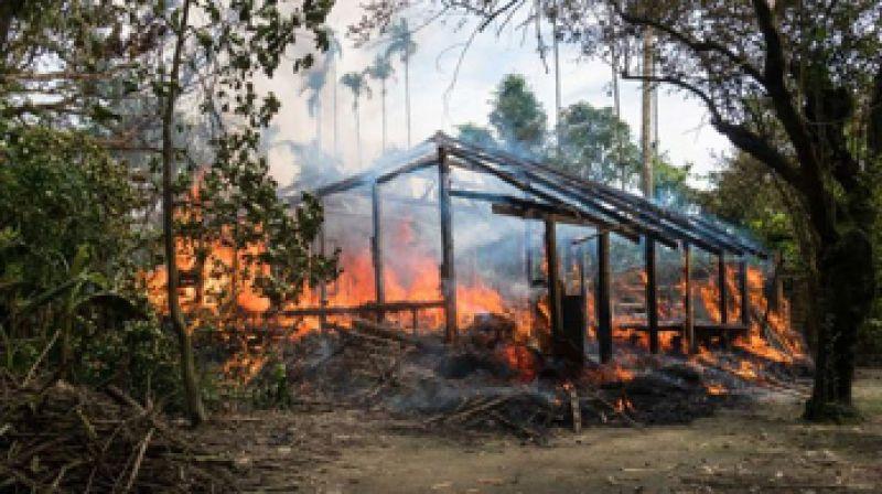 rohingya-houses-burning-in-2017-f4e494e5dee71ddac8bcd441cf6430671633505241.jpg